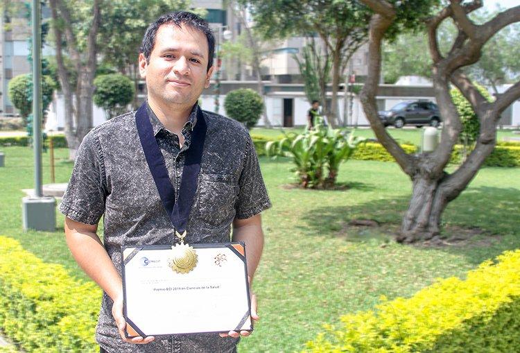 Reconocen a docente de la Universidad Continental como investigador peruano con mayor cantidad de publicaciones
