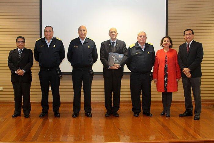 Profesor visitante de la Escuela de Posgrado de la Universidad Continental dictó conferencias a oficiales de las Fuerzas Armadas